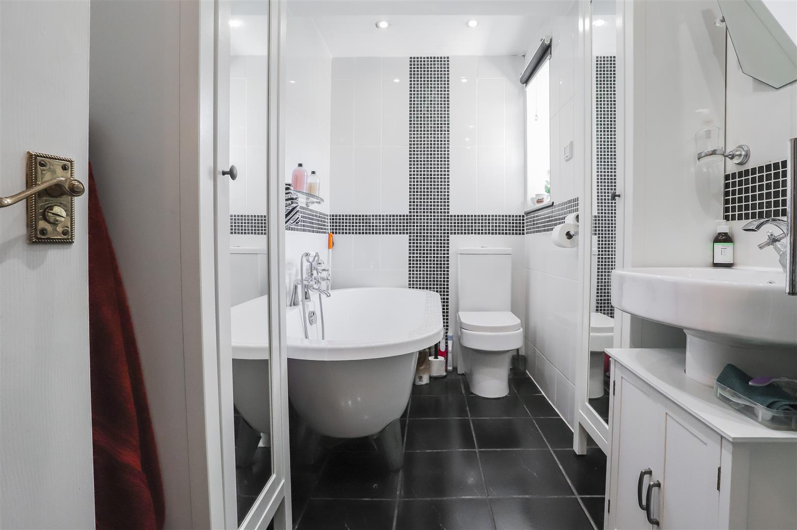 4 Bedroom Semi Detached Bungalow For Sale - Image 33